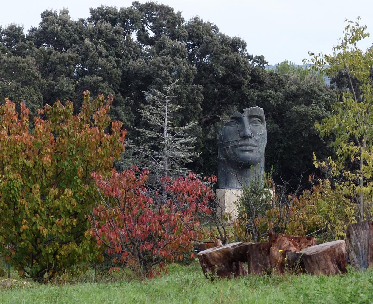 Statue de Mitoraj (Cornillon-Confoux)